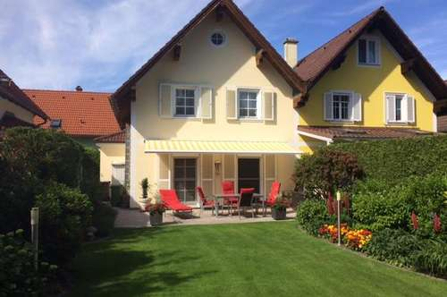 Gepflegte Doppelhaushälfte in idyllischer Grünruhelage.