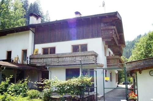 Große 5-Zimmer Eigentumswohnung in einem kleinen Wohnhaus