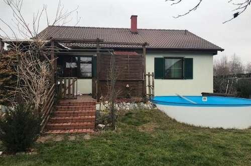 sonniges Einfamilienhaus mit Pool in Grünlage nahe Großenzersdorf