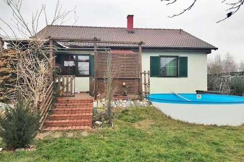 idyllisches, sonniges Einfamilienhaus mit Pool in Grünlage nahe Großenzersdorf
