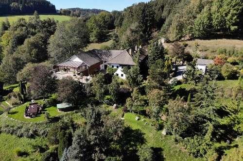Einzigartiger 3-Seit-Hof mit wunderschöner Gartenanlage, Wald-, Koppel- und Weidefläche