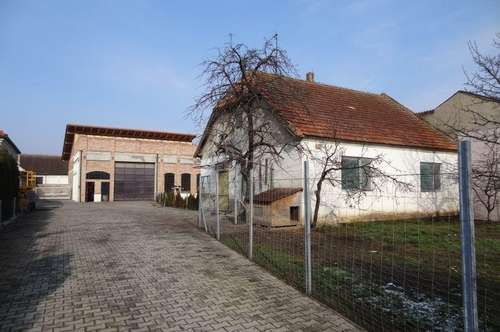 Haus im Rohbau mit großem Grundstück zum Selbstgestalten und Weiterbauen!