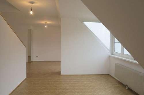 Helle Dachgeschoss-Maisonette, Nahe Arenbergpark