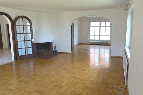 Helles 4,5 Zimmer Familiendomizil mit Terrasse und Garten in exklusivem Ambiente
