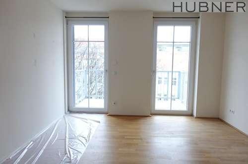 Top-sanierte, ruhige 2-Zimmer-Wohnung mit großem Balkon