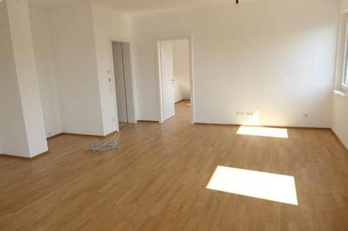 Hochwertige 3 Zimmerdachwohnung PLUS Balkon! PROVISIONSFREI/ Erstbezug!