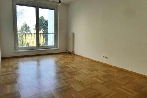 Top-geschnittene, helle 3-Zimmer-Wohnung mit großer Loggia