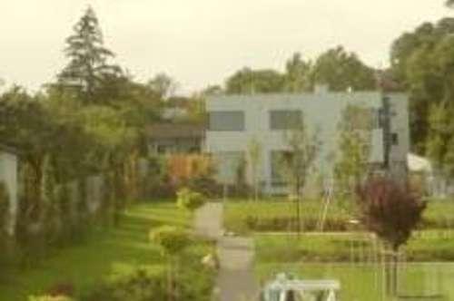 Traumhaftes Terrassen-HAUS mit großem Garten
