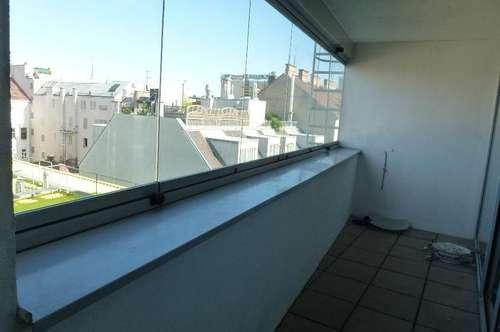 7m² große Loggia mit Weitblick! 3-Zimmer-DG-Wohnung im Architektenhaus!!