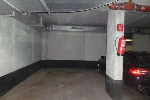 Großzügiger Garagenplatz zu vermieten , provisionsfrei