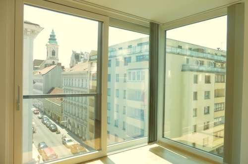 Helle, top moderne 4-Zimmer Wohnung mit coolem Wintergarten