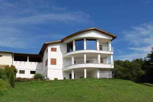 Elegantes Architekten-Haus mit grandioser Panorama-Aussicht