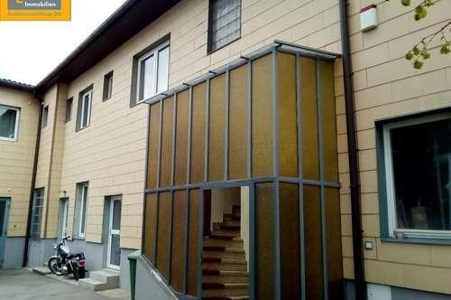 Geschäftslokal mit 3 bestandsfreien Wohnungen, Einfahrt und Baugrund- im Komplettpaket zu verkaufen
