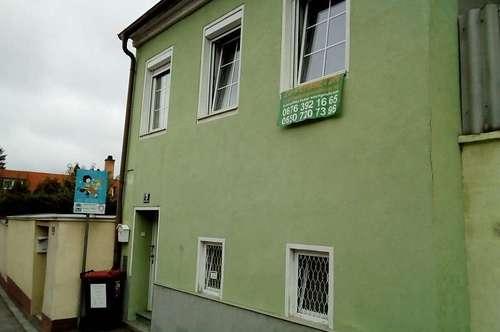 Haus mit Terrasse zu vermieten (Achtung, kein Garten)