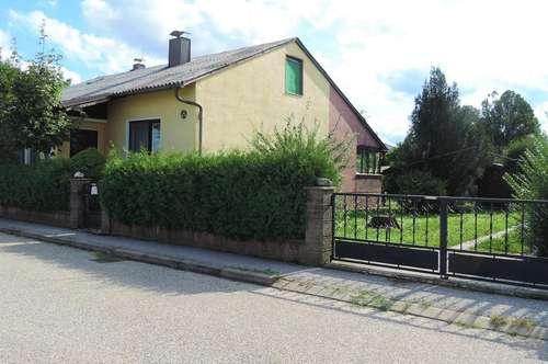 Einfamilienhaus mit großem gepflegtem Garten in Ruhelage