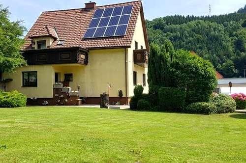 150m² Wohneinheit+56m² (Einliegerwohnung) mit Doppelgarage,Gartengrundstück,Pool und Kinderspielplatz