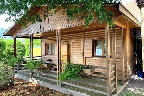 Schöne Gartenhütte mit 4 Parkplätzen
