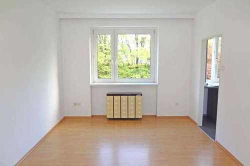 Gemütliche Zweizimmerwohnung mit Kfz-Stellplatz in der Landwiedstraße
