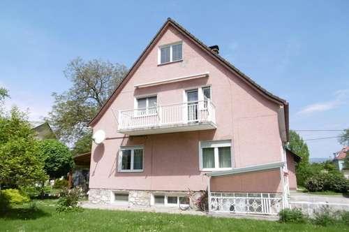 Mehrfamilienhaus mit Nebengebäude in großzügigem Areal