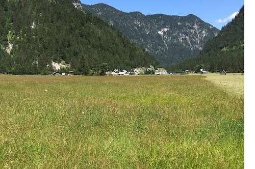 .......Ihr lang ersehnter Zweitwohnsitz im inneren Salzkammergut - direkt in der Ski- und Ferienregion Dachstein West!!!