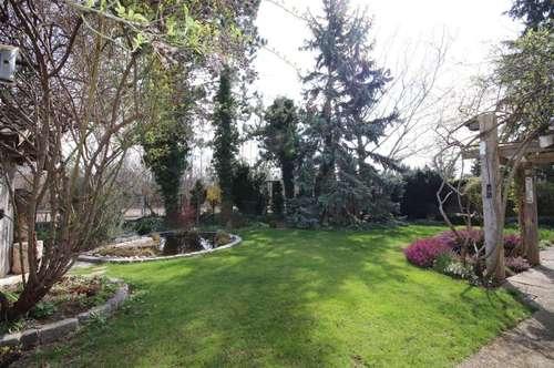 Gemütliches Wohnhaus mit traumhaft schönem Garten!
