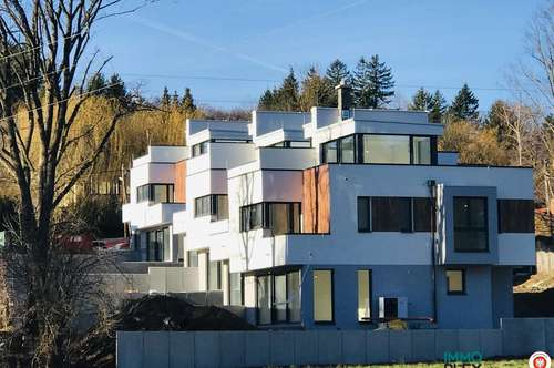 *** PROVISIONSFREI - ERSTBEZUG *** Moderne Doppelvillenhälftein attraktiver Grünruhelage - 2392 Sulz im Wienerwald