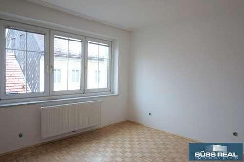 NEU RENOVIERTE 66 m2 MIETWOHNUNG IM ZENTRUM VON BAD HALL!