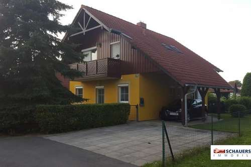 Wunderschöne 2 Zimmerwohnung im 1. OG eines Einfamilienhauses mit 51 m2 - Balkon und Garten