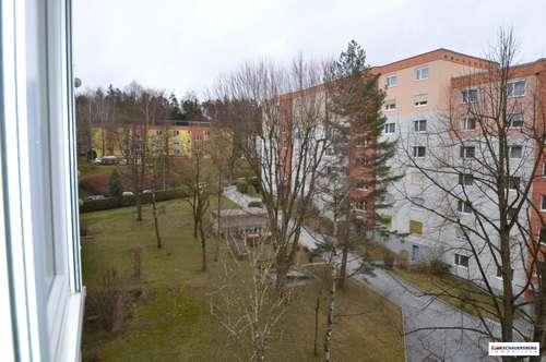 4 Zimmerwohnung mit Ausblick am Berliner Ring im 4. OG mit Lift