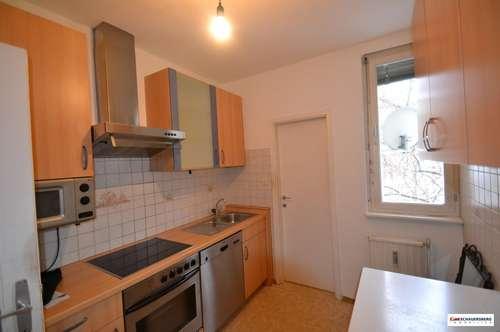 Einfache 4 Zimmerwohnung mit drei Balkonen und Abstellpatz in Wetzelsdorf