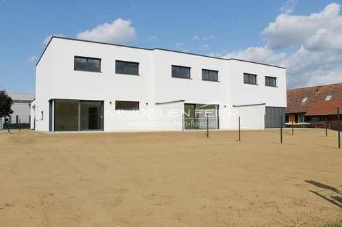 Makelloses Eckreihenhaus mit 257m² Gartenfläche!