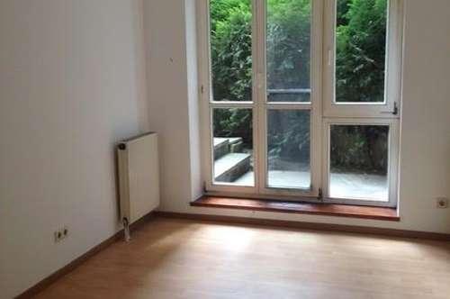 Süße 2-Zimmer Gartenwohnung in einem sehr gepflegten modernen Haus