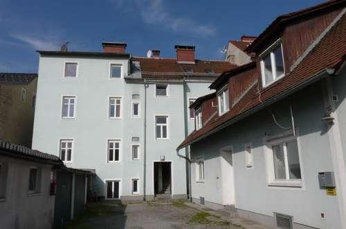 Zinshaus mit Sanierungsbedarf nahe Novapark