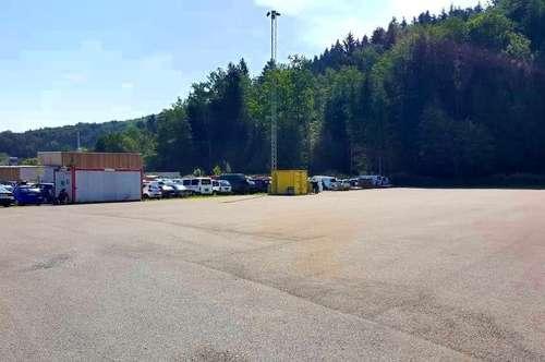 Betriebsgrund - Asphaltiert mit eigener Zufahrtsmöglichkeit - Nähe Graz