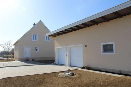 Gelegenheit: Kernsaniertes Einfamilienhaus mit Garage komplett neu