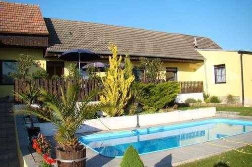 Idyllisch gelegenes Landhaus an der Grenze zwischen Weinviertel und Marchfeld!