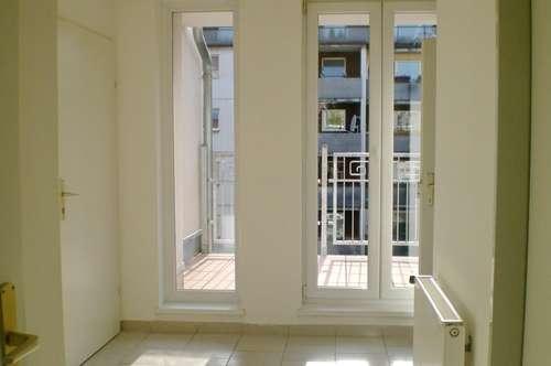 Anlage/WOHNEN MIT FLAIR! Schöne sonnige (Anlage-)Wohnung mit Terrasse und Loggia - hofseitiger Grünblick/Ruhelage