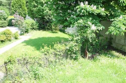 Herrschaftliches Wohnen...Andritz.... 2 Zimmer.. eigener Garten..Jahrhunderte alter Altbau...Parpkplatz......Schloßpark !!