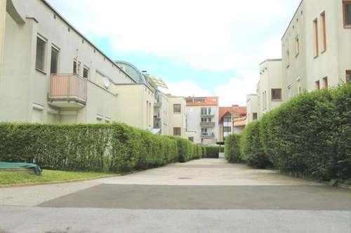 Helle und ruhige Gartenwohnung mit TG-Platz in einer kleinen autofreien Siedlung, nahe Eggenberger Bad