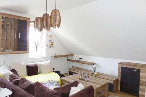 Einfache, gemütliche 2 Zimmer-Wohnung in St. Peter zentral gelegen in Uni´s-Nähe!