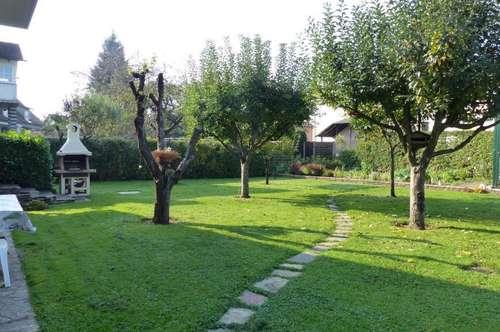 Hausetage mit 90m² Wfl und traumhaftem ca. 900m² Garten zur Miete!