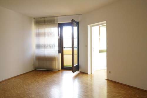 Sehr attraktive und freundliche 2-Zimmerwohnung mit Loggia