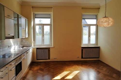 Gepflegte 3 Zimmer Wohnung im Altbaustil in sehr guter Stadtlage!