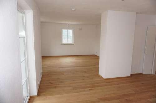 NEU IM ANGEBOT ! ! ! Wohnen in Unterach am Attersee - Stylische 3 Zi. Wohnung im Dachgeschoss mit Sonnenbalkon - PROVISIONSFREI ! ! !