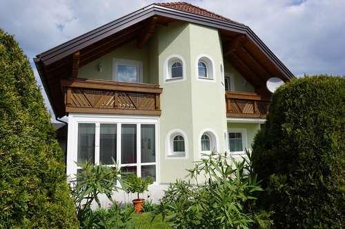 Perfekt gepflegtes Einfamilienhaus Mondsee - Seenähe und Golfplatznähe, Doppelgarage, Wintergarten