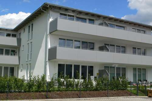 Trendige 2 Zi. Mietwohnung mit Westbalkon, Lift und TG-Platz - Mondsee - Schlössl ! ! !