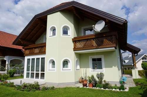 Tolle Liegenschaft ! ! ! Gemütliches Einfamilienhaus in St. Lorenz - Mondsee - Seenähe, Doppelgarage, Wintergarten