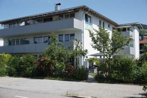 Modern Living - Stylische 2 Zimmer Wohnung inkl. Seeblick, Sonnenbalkon, Tiefgarage und Lift ! ! !