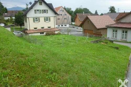 Zentral und ruhig: Haus mit 2 Wohneinheiten und Werkstatt