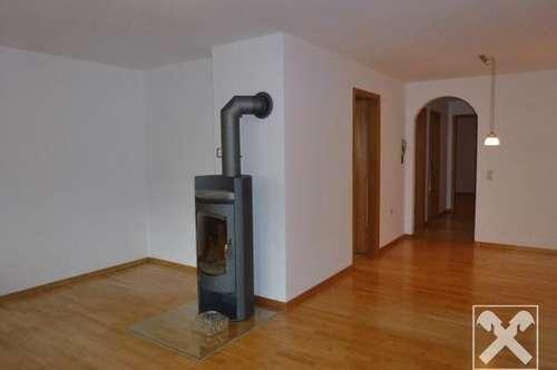 Gut eingeteilte 3,5 Zimmerwohnung mit Schwedenofen!